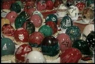 Arte polonesa em ovos é tradição no Estado durante a Páscoa - Costume herdado dos antepassados é preservado nas escolas.