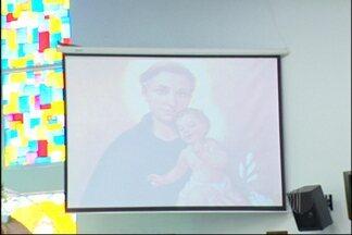 Santo Antônio é homenageado por fiéis em Mogi das Cruzes - Santo Antônio, conhecido como santo casamenteiro, foi homenageado por fiéis em Mogi das Cruzes nesta quinta-feira (13). As comemorações começaram, na igreja do bairro Mogi Moderno, às 7h30.