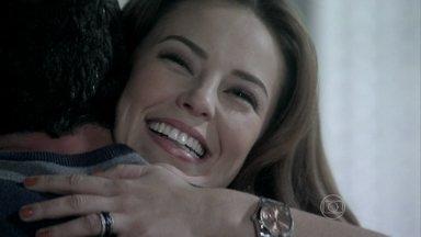 Amor à Vida - Capítulo de sexta-feira, dia 14/06/2013, na íntegra - Paloma acredita que Bruno foi traído por Luana. Edith desconfia de que Félix esteja envolvido com o desaparecimento de Atílio. Paloma avisa a Bruno que doará parte de seu fígado para Paulinha