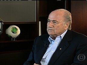 Presidente da Fifa comenta manifestações no Brasil - O presidente da Fifa comentou as manifestações nas ruas do Rio e das maiores cidades brasileiras. Joseph Blatter falou também sobre os problemas nos estádios nos jogos da Copa das Confederações.