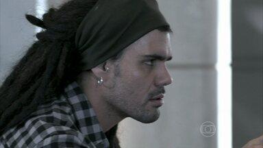 Ninho afirma que não vai desistir de Paloma - Enquanto isso, Félix alfineta Bruno