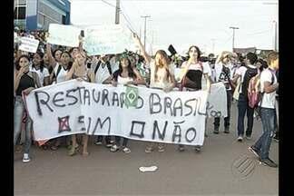 Em Parauapebas, milhares de pessoas foram as ruas - Em Parauapebas, milhares de pessoas foram as ruas pedir mais investimentos em diversas áreas.
