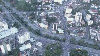 Protesto reúnde mais de 50 mil pessoas nas ruas do Recife - Na manhã desta sexta-feira (21), o movimento de pessoas no centro da cidade é tranquilo e o trânsito está normal.