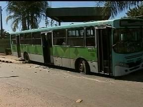 GDF negocia melhoria do transporte público no entorno do DF - Em meio a protestos por mais qualidade dos ônibus em todas as regiões do país, o governo está negociando para melhorar a qualidade do transporte. Autoridades pretendem renovar a frota e baixar as tarifas.