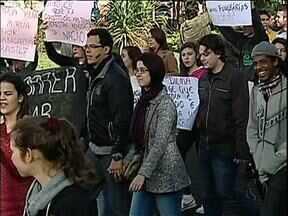 Cidades do interior do Paraná organizam protestos - Veja como foram os protestos em Rolândia, Apucarana, Toledo e Ibiporã.