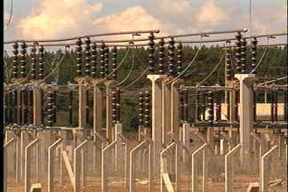 Contas de luz terão redução de 13,5% na Serra - Determinação da Aneel é baseada em recálculo tarifário.