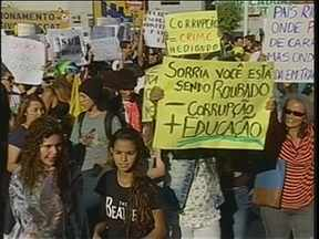 Fim de semana é marcado por protestos no Vale do Itajaí - Blumenau, Pomerode, Timbó, Luiz Alves, Itapema e Brusque fizeram protestos neste sábado. No domingo será a vez de Indaial, Navegantes, Presidente Getúlio e, novamente, Blumenau.