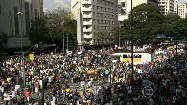 Manifestação começa de forma pacífica em Belo Horizonte - Multidão se reuniu na Praça Sete, no Centro da capital.