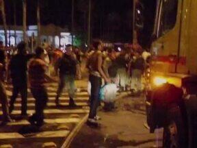 Manifestantes voltam as ruas nesta sexta e praticaram mais atos de vandalismo - Manifestantes voltam as ruas nesta sexta , mas praticaram atos de vandalismo