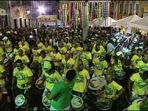 Olodum faz a festa da torcida brasileira no Pelourinho - A torcida começou a chegar no início da tarde deste sábado e continuou após o fim do jogo.