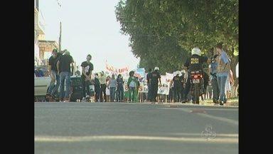 Manifestação pacífica em Cacoal, RO, marca sábado de protestos - Cerca de 3 mil pessoas foram às ruas mesmo sob sol forte. Concentração aconteceu em frente à prefeitura e seguiu pelas principais vias.
