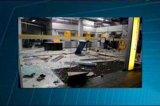 Caixas eletrônicos são explodidos em Monteiro, na Paraíba - Durante a madrugada bandidos explodiram caixas de banco. Polícia conseguiu prender um dos bandidos.