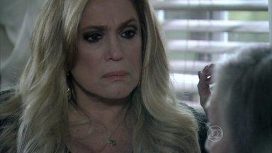 Pilar afirma que Bruno cometeu um ato ilícito - Ela diz para Bernarda que Paulinha não vai mais ficar com o corretor
