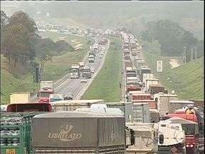 Siga Curitiba - Manhã complicada para o motorista que enfrenta o contorno leste.