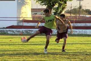 Sergipe treina no feriado para encarar CSA - Mesmo com goleada no dia anterior, Givanildo Sales não poupou os jogadores