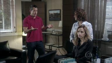 Bruno não permite que Silvia denuncie Paloma - Glauce pergunta se o rapaz ainda está apaixonado pela pediatra. Enquanto isso, Ninho e Paulinha se divertem na casa de Paloma