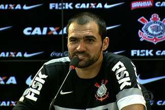 Danilo diz que Corinthians precisa parar de perder gols para vencer o São Paulo - Meia, que já jogou, no Tricolor, se diz 'corintiano até a morte'.