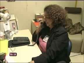 Centro de Valorização da Vida ajuda pessoas solitárias no Brasil pelo 141 - Quem não tem amigos pode ligar e conversar com um atendente sobre qualquer assunto