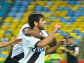Com Maracanã em festa, Vasco vence o Fluminense na reestreia de Juninho Pernambucano - Após quase três anos fechado, maior palco de futebol do país é reaberto para os clubes.