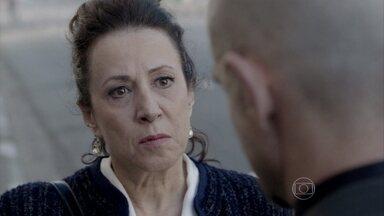 Lídia descobre que Leila quer dar um golpe em Nicole - Olavo desconfia da vilã e conta suas suspeitas para Lídia