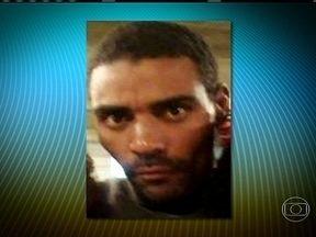 Sangue encontrado em viatura da UPP não é de morador da Rocinha (RJ) desaparecido - O resultado foi divulgado pela Polícia Civil. A família de Amarildo de Souza diz que ele desapareceu no dia 14 de julho, quando foi levado por PMs para a sede da UPP, dentro da comunidade.
