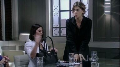 Edith quer um ótimo contrato para ficar de boca fechada - Félix se mostra disposto a encarar o escândalo