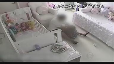 Babá é denunciada por agressão a criança de 1 ano e meio - Rotina de violência só foi descoberta porque a família gravou as agressões usando câmeras de segurança escondidas.
