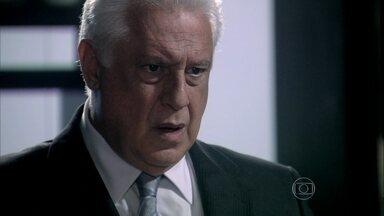 César fica perplexo com revelação de Edith - A estilista explica por que não contou que estava esperando um filho dele