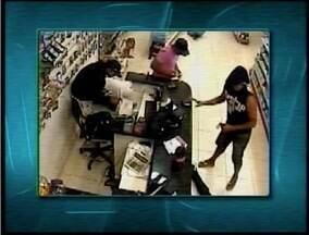 Três homens foram presos suspeitos de assaltar duas farmácias em Montes Claros - Circuitos de segurança registram a ação dos bandidos.