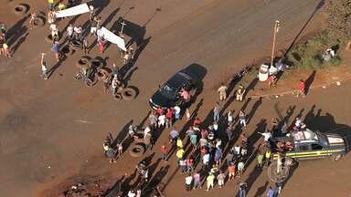 Após cerca de 12 horas de protesto, BR-040 é liberada em Congonhas - Moradores fizeram manifestação para pedir construção de passarela.