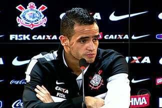 Renato Augusto comemora titularidade contra o Santos - Meia fez um golaço contra o Criciuma, mas suspensão de Emerson Sheik ajudou.
