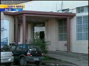 Bebê recém-nascido é abandonado em frente a uma casa em Bagé, RS - Menina ainda estava com o cordão ambilical.