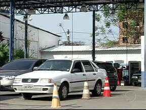 Usuários do Detran no Sul do RJ não conseguem marcar serviços - Há um mês, o RJTV mostrou as dificuldades dos motoristas.