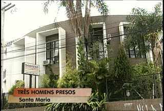 Três pessoas foram presas durante tentativa de assalto - Três bandidos foram presos em flagrante quando tentavam assaltar uma clínica odontológica em Santa Maria.