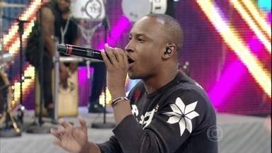Thiaguinho canta a música 'As aparência enganam' - Curta um dos sucessos do cantor