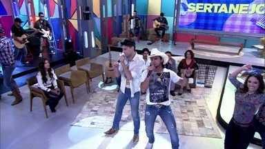 Munhoz e Mariano cantam 'Pantera Cor de Rosa' - Dupla apresenta novo hit