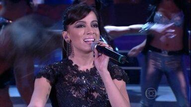 Anitta canta o sucesso 'Show das Poderosas' - Veja o show que rolou no palco do Domingão