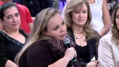 Sarah se divide em mil trabalhos, filho e casamento - Ela diz que o marido cobra a presença dela na rotina da criança