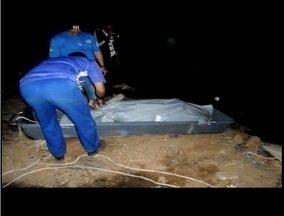Corpo da terceira vítima do duplo acidente na BR-116 é enterrado - Copor só foi encontrado depois de uma queimada no mato às margens da rodovia.