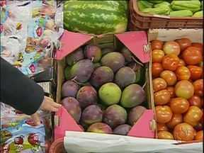 Tempo seco e queimadas já influencia preço das frutas e verduras pelo estado - Veja também como estão os preços no Ceasa de Curitiba.