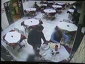 Câmeras de monitoramento flagram assalto a pizzaria no bairro do Éden em Sorocaba - Ladrões não tem se intimidado nem mesmo com câmeras de segurança. Numa pizzaria do Éden o assalto foi flagrado pelo sistema de monitoramento. A Polícia Militar informou que há policiamento comunitário no bairro.