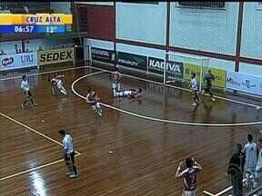 Esporte: Atlântico e ACBF empataram pela Liga Nacional - No empate em 0 a 0, os goleiros foram destaque no clássico de Erechim, RS.