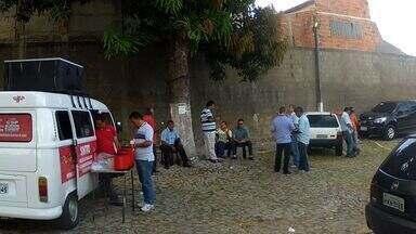 Alunos da rede pública de ensino de Fortaleza estão sem ir às aulas por falta de ônibus - Prefeitura adquiriu novos veículos.