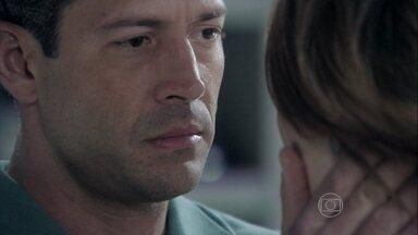 Bruno conclui que Ninho está usando Paulinha para atrair Paloma - A pediatra afirma que seria capaz de qualquer coisa para recuperar sua filha. Valentin conta que Alejandra entrou em contato