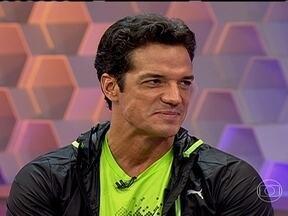 Carlos Machado fala de seu personagem em 'Amor à Vida': 'O Ignácio tem um problema' - Ator afirma que trama terá novidades em breve, mas lembra que não pode contar 'defeito' de Ignácio.