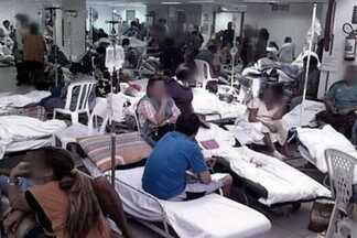 Médicos mostram a dificuldade para atender pacientes nos hospitais - parte 1 - O Profissão Repórter revela a peregrinação de uma família para tentar fazer exames em um bebê que sofre convulsões. O programa mostra ainda a médica que se divide entre consultas e a emergência e a situação dos hospitais no Ceará.