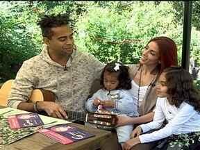 Jairzinho compõe música para estimular alimentação correta das filhas - Jairzinho é casado com Tânia Kalil, e tem duas filhas. E o pai-coruja começou a compor músicas para estimular a alimentação saudável das meninas.