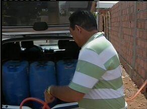 Moradores da região norte de Palmas precisam buscar água em outras quadras - Moradores da região norte de Palmas precisam buscar água em outras quadras
