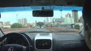 Ribeirão Preto precisa investir R$ 12 bilhões para melhorar trânsito, diz especialista - Frota de automóveis dobrou em dez anos na cidade.