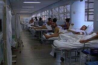 Pacientes sofrem com a superlotação do Hospital de Urgências de Goiânia - A superlotação no Hospital de Urgências de Goiânia (Hugo) só deve ser solucionada com a construção de uma nova unidade. Até lá, os pacientes são obrigados a esperar até dois anos por uma cirurgia.